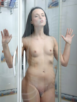Nude Girls Shower Porn Pictures
