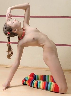 Nude Girls Pigtails Porn Pictures