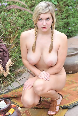 Nude Big Tits Girls Porn Pictures