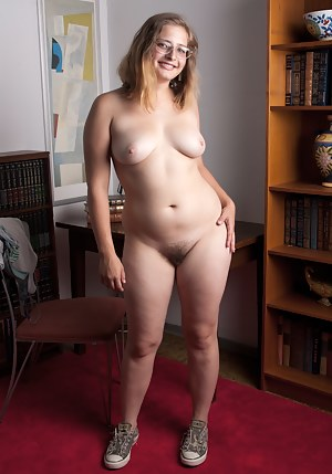 Nude Girls Glasses Porn Pictures