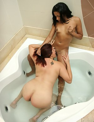 Nude Lesbian Girls Interracial Porn Pictures